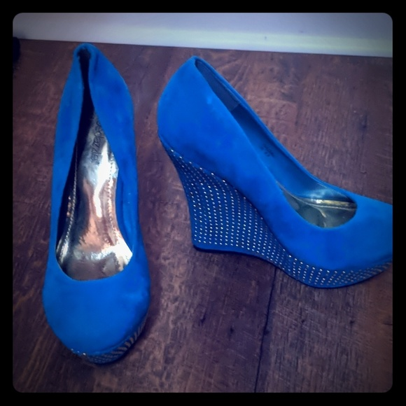 Shoe Dazzle Shoes - Sexy Blue Wedges